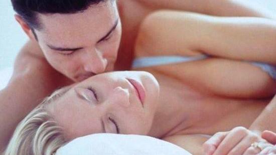 Vì sao đàn ông lại phản bội vợ?