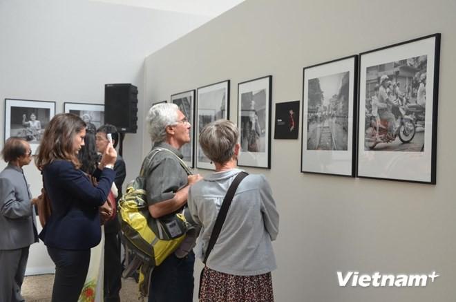 Triển lãm ảnh về 54 dân tộc anh em Việt Nam tại Pháp
