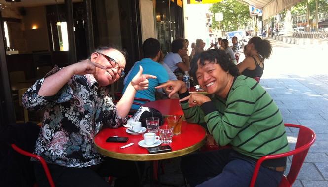 Nguyên Lê (trái) và Ngô Hồng Quang tại Paris tháng 6/2014. Ảnh: Nghệ sĩ cung cấp
