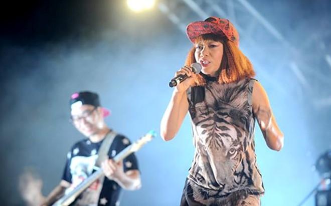 Khán giả Đà Nẵng lần đầu tiên có cơ hội thưởng thức âm nhạc của Hà Trần với Bản Nguyên tại RockStorm7.