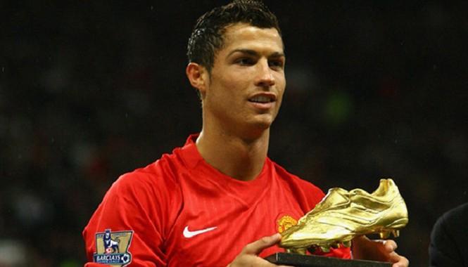 C.Ronaldo được vinh danh là Cầu thủ xuất sắc nhất lịch sử Premier League.