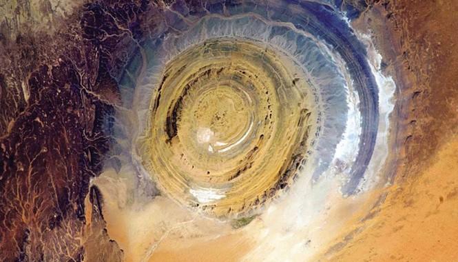 Chỉ những nhà du hành vũ trụ mới có cơ hội chiêm ngưỡng tận mắt tuyệt tác thiên nhiên mắt thần Sahara.