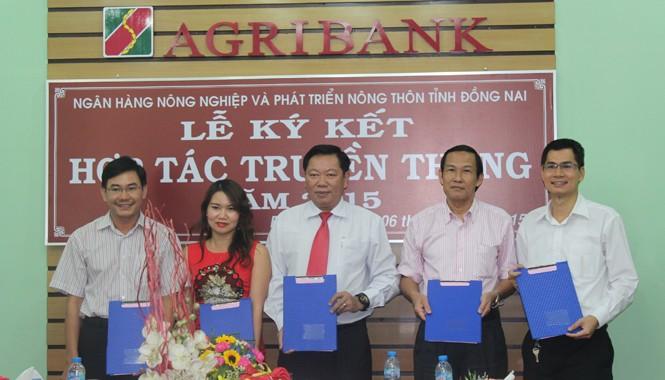 Ký kết hợp tác giữa báo chí và Agribank Đồng Nai.