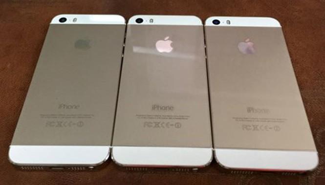 iPhone 5S bản khóa mạng bắt đầu được rao bán nhiều sau cơn sốt iPhone 5C giá rẻ. Ảnh: Nhật Huy.