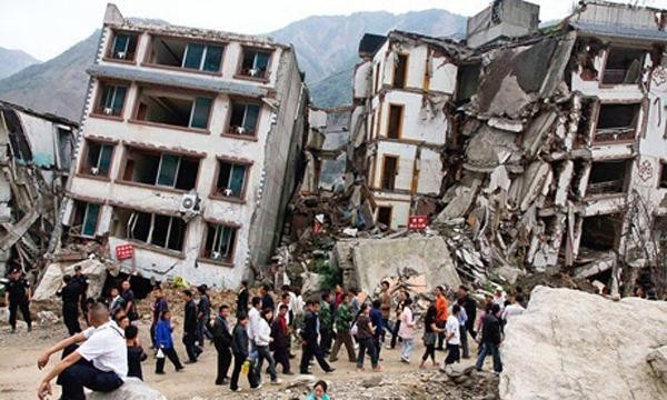 Sức tàn phá kinh hoàng của cơn động đất khiến nhà cửa ở Nepal đổ sụp.