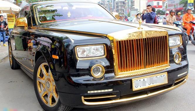 Lóa mắt với Phantom và Hummer H2 mạ vàng ở Hà thành