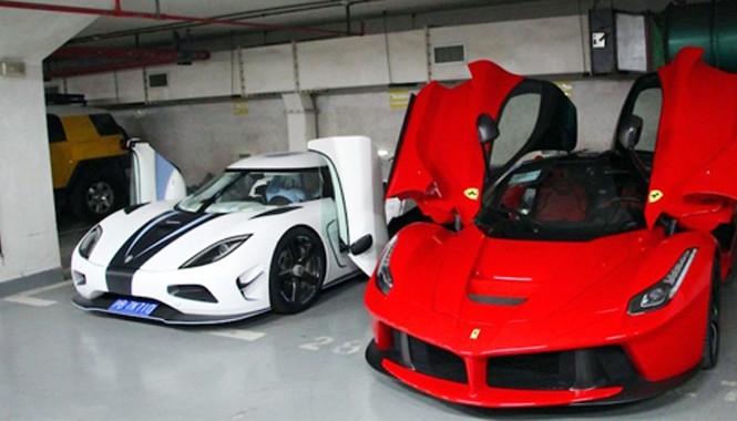 Koenigsegg Agera R và Ferrari LaFerrari khi chưa gặp nạn, đều thuộc sở hữu của thiếu gia 27 tuổi. Ảnh: Weibo.
