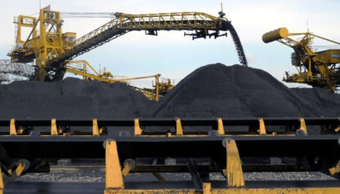Chính phủ vừa đồng ý cho Tập đoàn Công nghiệp Than - Khoáng sản Việt Nam (TKV) và Tổng Công ty Đông Bắc xuất khẩu hai triệu tấn than trong năm 2015.