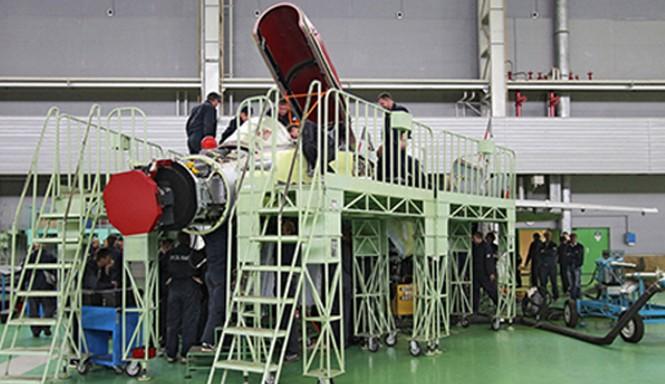 Bên trong nhà máy sản xuất máy bay MiG của Nga. Ảnh: sputniknews.com.