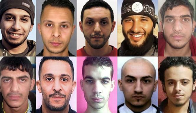 Chân dung các nghi phạm vụ tấn công khủng bố ở Paris ngày 13/11/2015, trong đó có hai nghi can chính Abdelhamid Abaaoud và Salah Abdeslam (hàng trên, ngoài cùng từ trái sang).