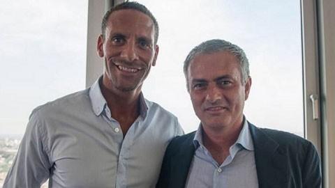 HLV Mourinho muốn Ferdinand làm trợ lý ở M.U