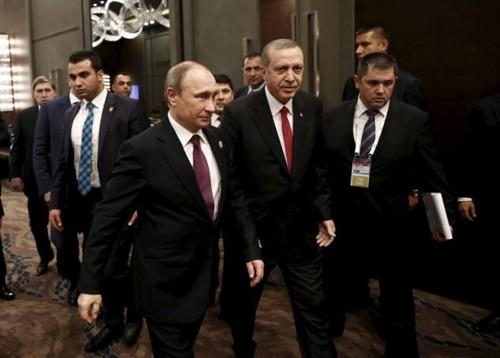 Tổng thống Thổ Nhĩ Kỳ Recep Tayyip Erdogan và Tổng thống Vladimir Putin tại hội nghị G20 năm ngoái. Ảnh: Reuters.