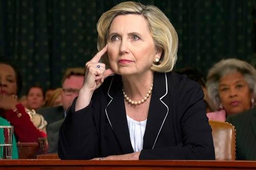 Teresa Barnwell, người chuyên đóng giả bà Hillary Clinton. Ảnh: Newsweek.