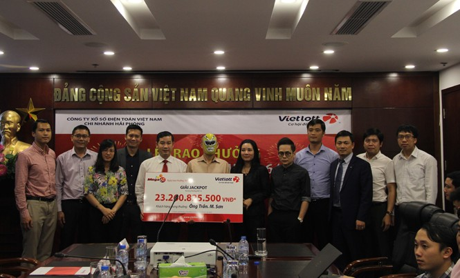 Ông Trần.M.Sơn nhận giải đặc biệt hơn 23,2 tỷ đồng.