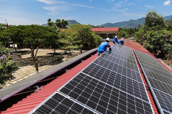 Thiết bị điện mặt trời ở Việt Nam phần lớn có xuất xứ từ Trung Quốc. Ảnh minh họa.