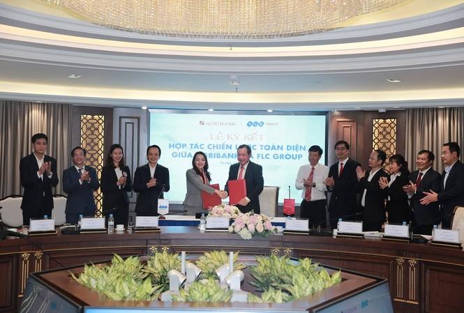 Lễ ký thỏa thuận hợp tác chiến lược toàn diện giữa Tập đoàn FLC và Agribank.