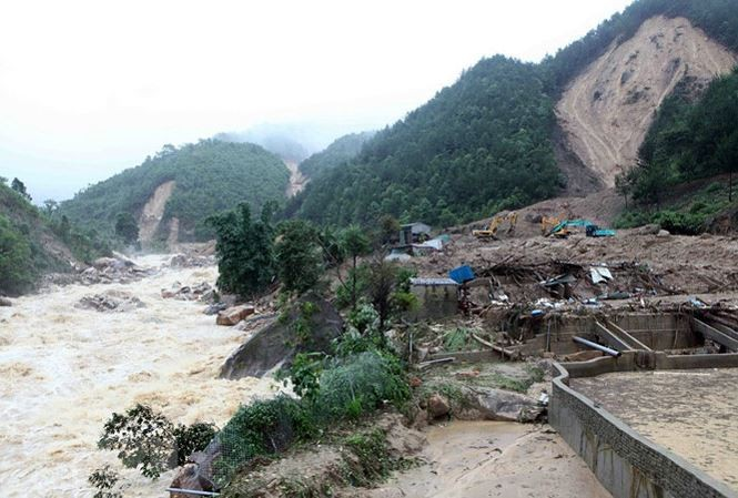 Mưa lũ kéo dài mấy ngày qua gây thiệt hại cho nhiều tỉnh khu vực phía Bắc