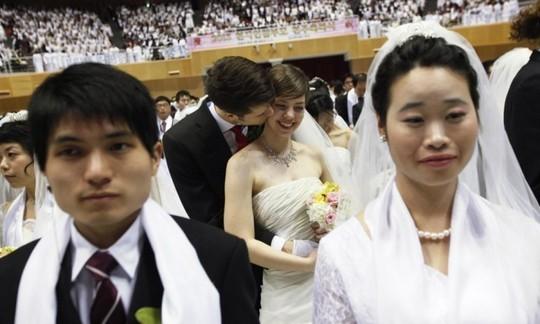 Vì sao Hàn Quốc bãi bỏ luật cấm ngoại tình?