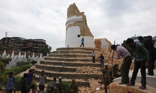 Động đất Nepal, bảo tháp gần 200 năm phút chốc thành gạch vụn