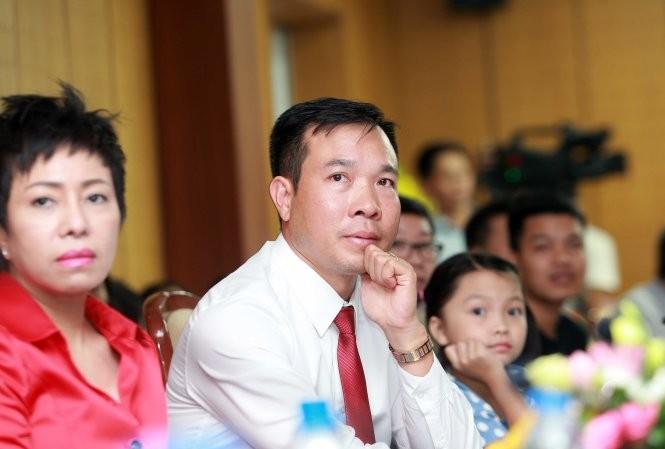 Xạ thủ Hoàng xuân Vinh áp đảo đề cử Cúp Chiến thắng 2016