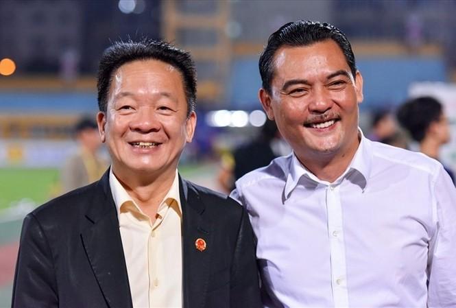Ông Nguyễn Quốc Hội (phải) và bầu Hiển.