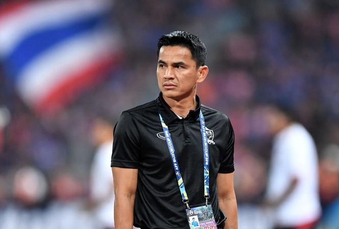 Kiatisuk từng thành công trên cả tư cách cầu thủ và HLV trưởng đội tuyển Thái Lan.