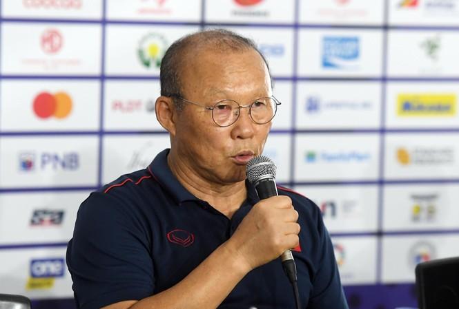 HLV Park Hang Seo họp báo trước trận đấu với Indonesia