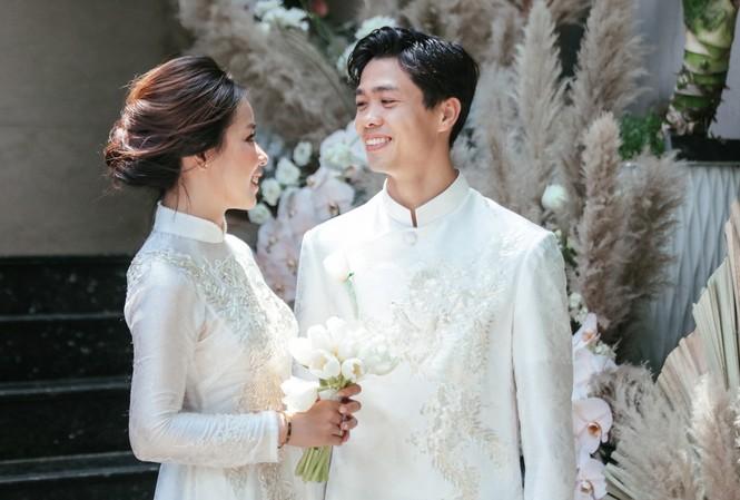 Công Phượng và Viên Minh trong lễ đính hôn hồi tháng 6/2020.