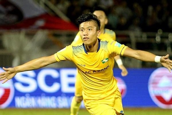 Phan Văn Đức từng được HLV Park Hang Seo tin dùng trước khi bị chấn thương đầu gối.