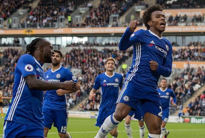 Willian và các đồng đội ở Chelsea ăn mừng bàn thắng mở tỷ số.