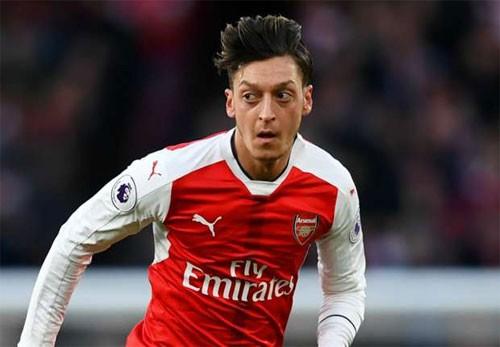 """""""Nhạc trưởng"""" của Arsenal coi trọng danh hiệu hơn tiền bạc. Ảnh: Reuters"""