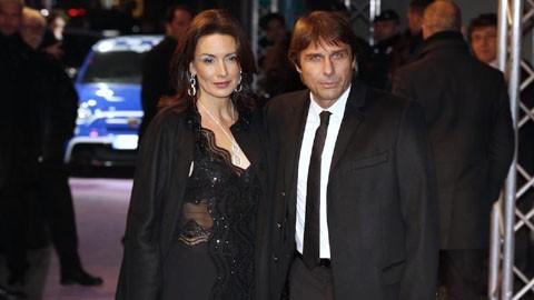 HLV Antonio Conte và bà xã Elisabetta Muscarello.