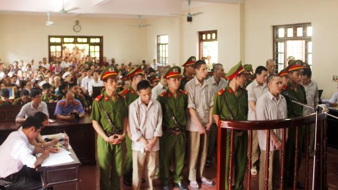 Các bị cáo tại phiên toà