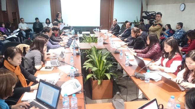 Đại diện VPSF và các hiệp hội thảo luận lấy ý kiến kiến nghị Thủ tướng đình chỉ thi hành NQ148. Ảnh: Tuấn Nguyễn