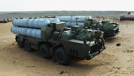 Hệ thống tên lửa S-300 được đưa tới Kaliningrad