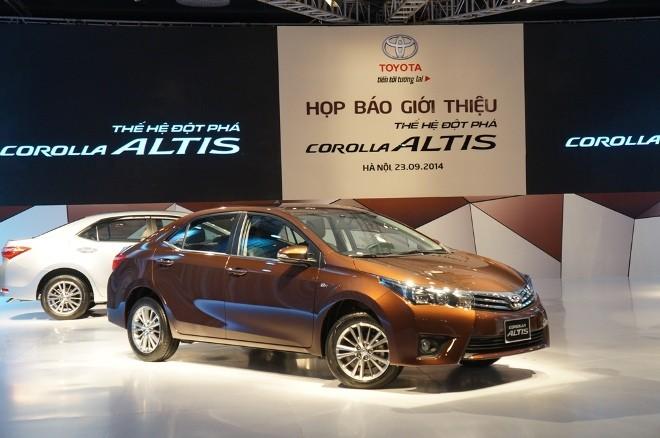 Lộ 3 mức giá của Toyota Corolla Altis 2014 ở Việt Nam