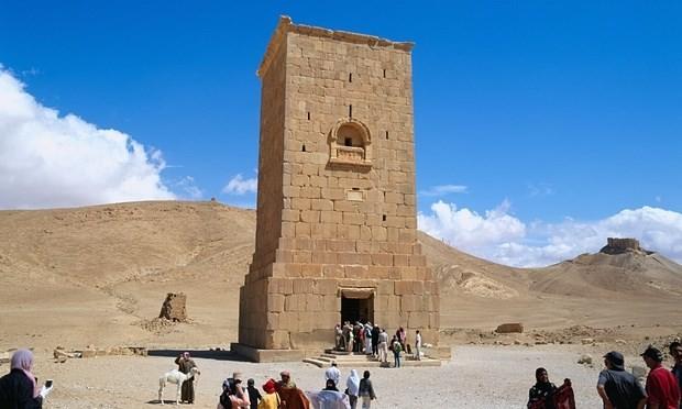 Ngôi mộ Jamblique trước khi bị IS phá hủy. (Nguồn: theguardian.com)