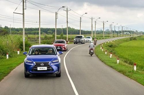 Toyota giảm giá với nhiều xe nhập khẩu tại Việt Nam