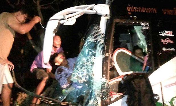 Hiện trường tai nạn ở ngã tư Yang Talat sáng 9/3.
