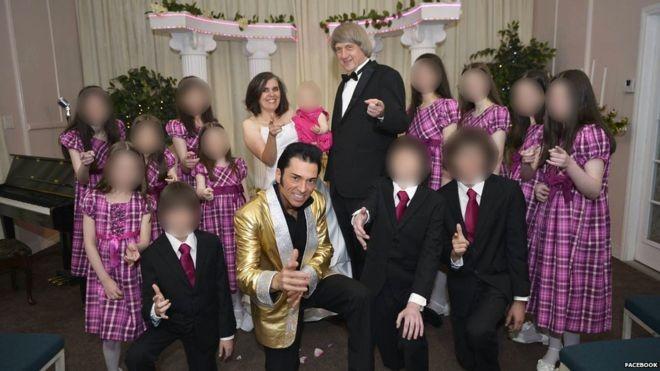 Cặp cha mẹ tàn ác và 13 người con bị xiềng xích trong nhiều năm. Ảnh: Facbook