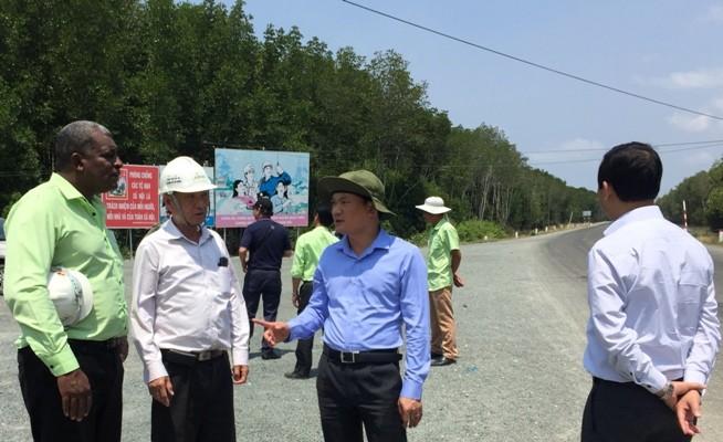 Chính quyền địa phương cam kết giải phóng mặt bằng để đẩy nhanh tiến độ đường Hồ Chí Minh về Đất Mũi.