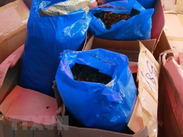 Lô hàng có chứa lá Khat. Ảnh: TTXVN