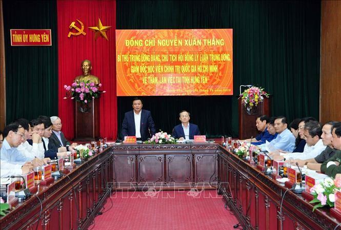 Đồng chí Nguyễn Xuân Thắng làm việc tại Tỉnh uỷ Hưng Yên. Ảnh: TTXVN