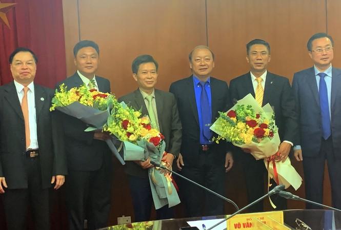 Các đồng chí Vũ Trọng Hà, Đoàn Văn Báu và Trần Đoàn Hưng được trao quyết định bổ nhiệm.