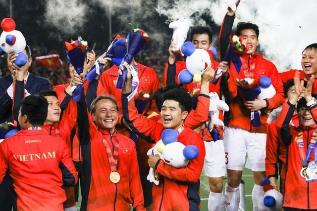 Bóng đá Việt Nam đang ngày càng khởi sắc.