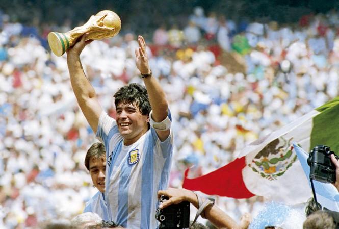 Những bộ phim phải xem nếu muốn hiểu về cố huyền thoại bóng đá Maradona