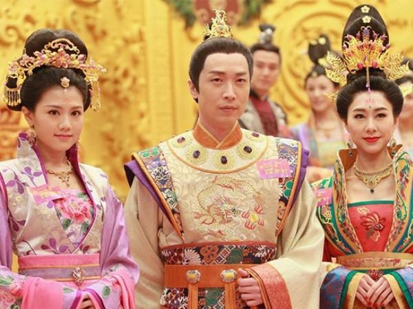 """""""Cung Tâm Kế 2"""": Fan ngán ngẩm vì giống phim Trung Quốc hơn là TVB"""
