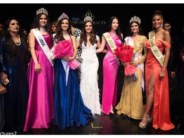 """Phương Khánh trao vương miện cho tân Hoa hậu Ấn Độ tại """"Miss Earth India 2019"""""""