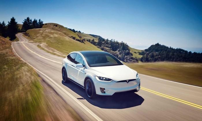 Tesla là thương hiệu ô tô tăng giá trị nhanh nhất năm 2021