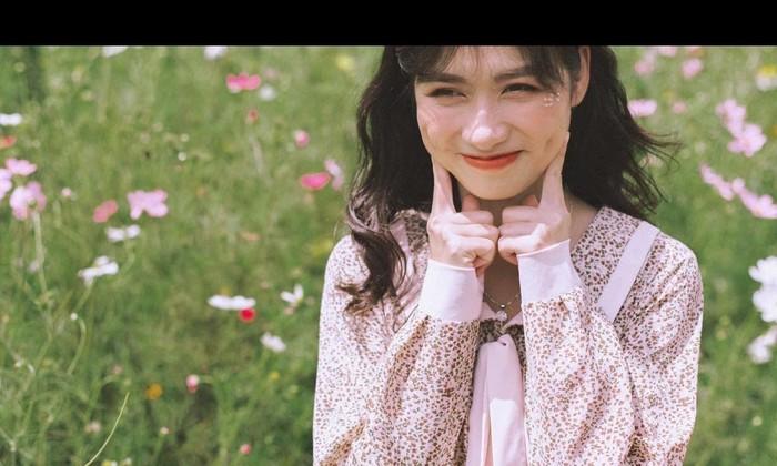 Cô nàng quê Nghệ An gây 'sốt' với nét đẹp tựa Khánh Vân và Hoà Minzy